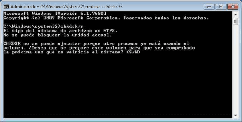 ejecutar comando CHKDSK para reparar disco duro
