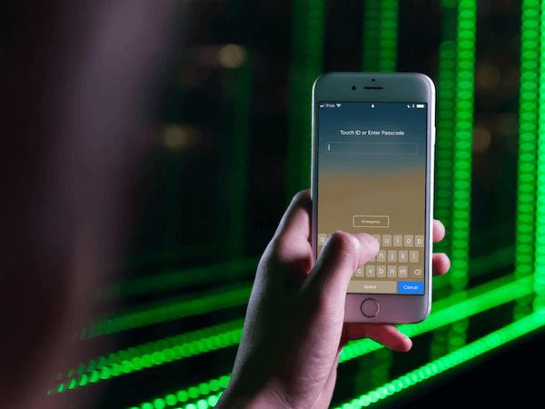 Introducir contraseña en iPhone