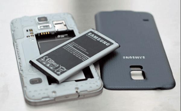 Quitar batería Samsung